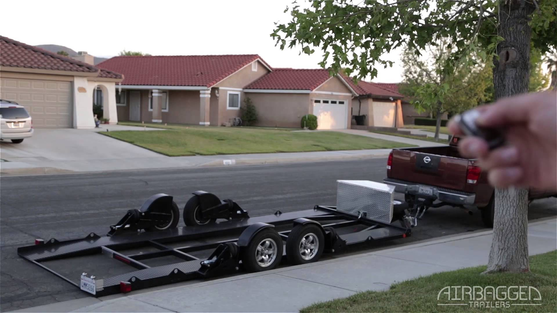 Remote Control Airbag Lift Makes Loading Your Trailer A