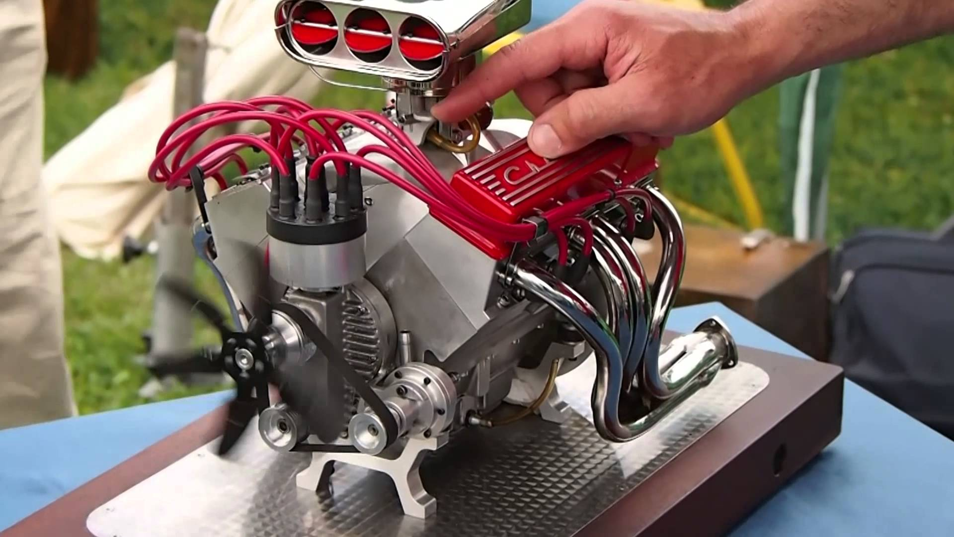 Epic Miniature Chevy V8 Will Make You Fall In Love With It